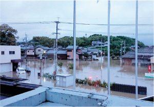 2018年の西日本豪雨による庄内川、庄司川の氾濫現場の写真